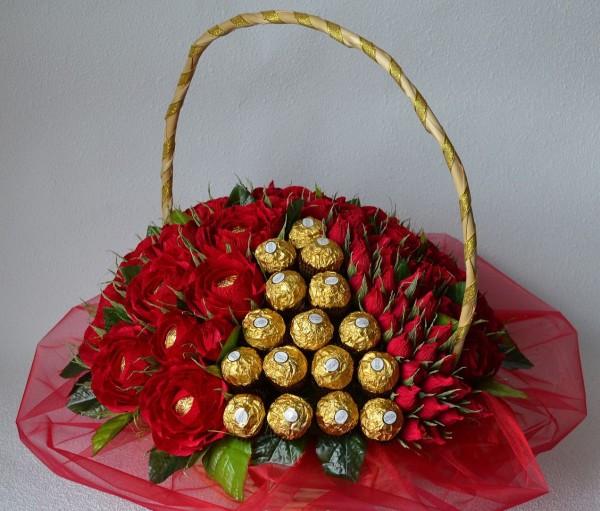 Подарки из конфет и фруктов 56